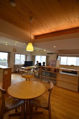 『小上がり寝室と小下がり和室のある木のリノベーション』兵庫県三田市