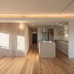 『大きな土間玄関とアイランドキッチンのある木の家』神奈川県横浜市