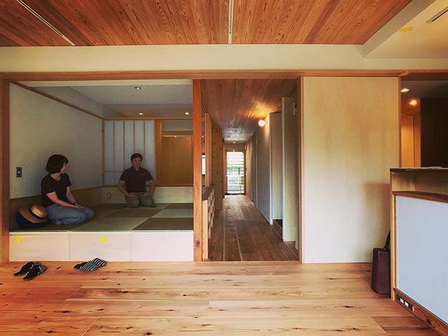 水無瀬の家、検査完了。直しや残工事まだありますが来週末のオープンハウスには万全の状態になってる予定です。小上がりの小さな空間がとっても落ち着きます〜