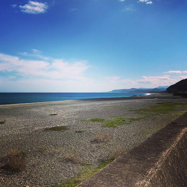 熊野で太平洋に感激。みえ木の家ネットワークさんのご依頼で講演させて頂きました。皆さん温かい眼差しでしっかり笑ってくれて(^^)気持ちよく話させてもらいました〜今から懇親会です〜
