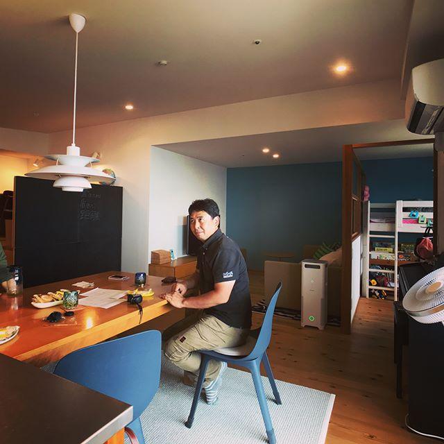 南草津の家、4年ぶりくらいに訪問。バルコニーと子供部屋の追加工事打ち合わせ。転勤でかなり空家だったとはいえとても綺麗にお住まいでした。その後昼食食べつつ断熱おじさんの温熱講義を受けてきました〜いつもありがとうございます!