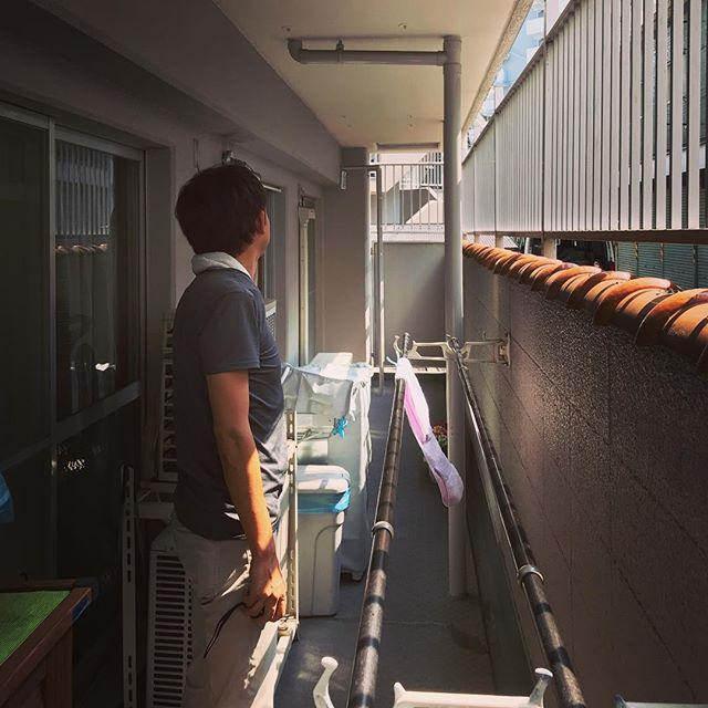 神戸市兵庫区、JR兵庫駅のすぐ近くの物件の採寸調査。夏の採寸は苦行ですが、住まい手さんがエアコン効かせてくれてたので快適でした(´∀`)一階住戸のテラス、何とか室内に取り込みつつ活かしたいところ。頭ひねります。