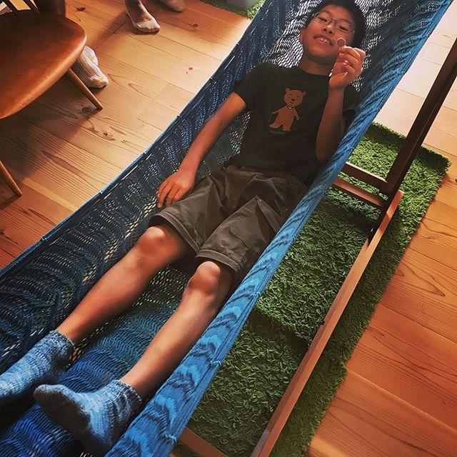 2012年にリノベさせて頂いた神戸のYさんご一家。たためるハンモック購入検討のため自邸ご来訪。幼稚園児だったお子さんがもう5年生になってた・・・ほんとにあっという間だねぇ・・・